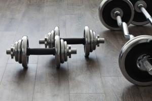 Dumbbells Vs Barbells: What To Know
